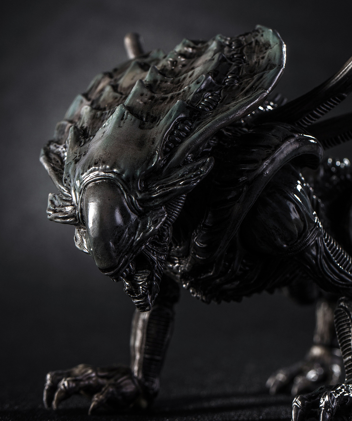 ALIENS CM XENOMORPH CRUSHER PX 1/18 SCALE FIGURE
