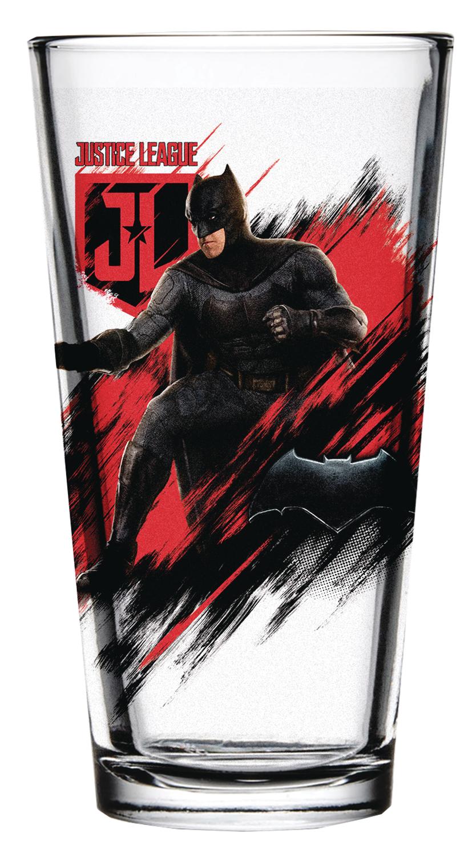 sep178576 justice league movie batman pint glass