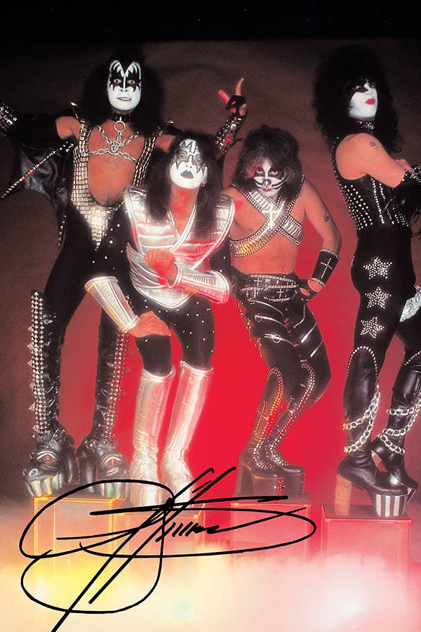 KISS ZOMBIES #1 GENE SIMMONS SGN VIRGIN PHOTO CVR
